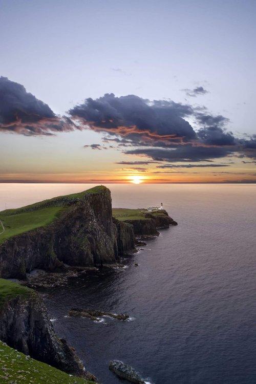 destinations-british-isles-massimiliano-morosinotto-V5t8ffsKvI4-Neist Point Lighthouse, Isle of Skye, Regno Unito-unsplash 1 (1).jpg