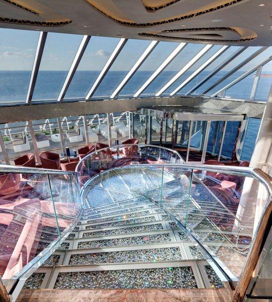 msc-seaside-yacht-club-lounge.jpg